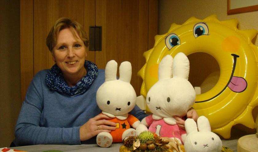 Jolanda van 't Verlaat is een bevlogen lesgeefster voor het jonge kind. Blij met het concept van het Nijntje beweegdiploma. Dat is hier wel duidelijk.FOTO: CEES VAN CUIJLENBURG