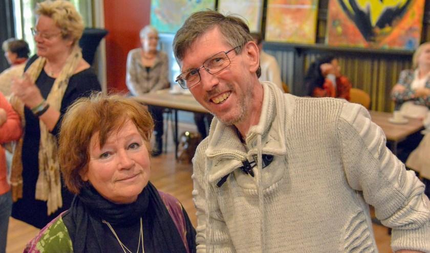 Bob Post en echtgenote Frieda Bremmer organiseren al vele jaren de maandelijkse Spirituele Beurs in Montfoort. (Foto: Paul van den Dungen)
