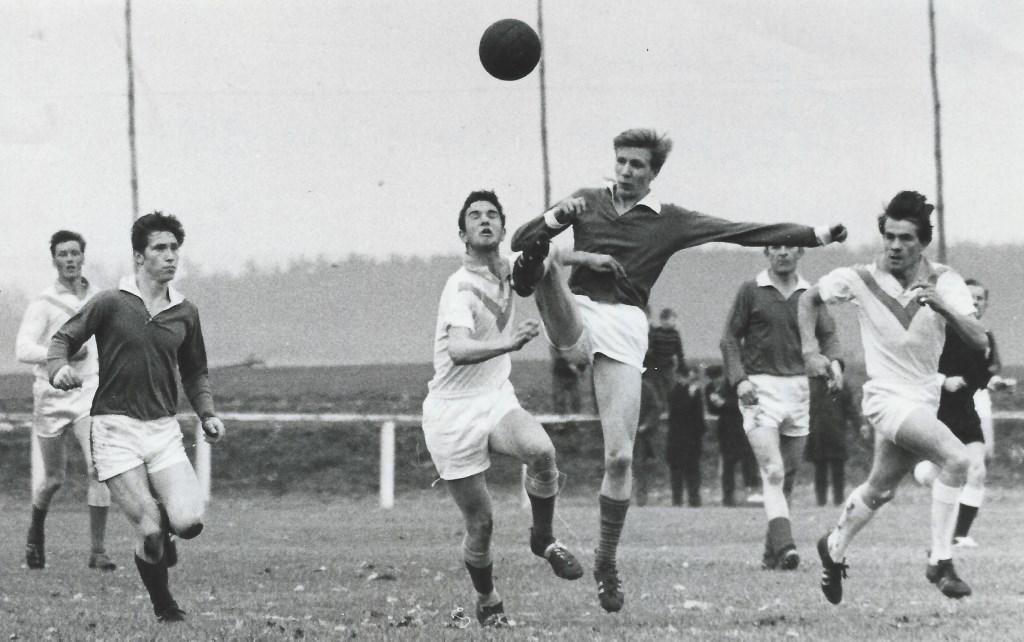 Een wedstrijdbeeld uit de jaren zestig.  © DPG Media