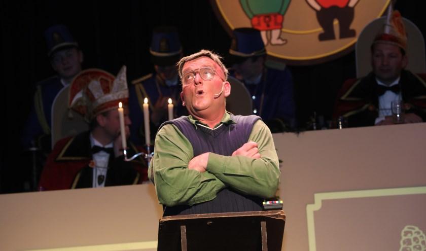 Freddie van den Elzen als Janus den Dekker, de eeuwige vrijgezel. Foto: Harrie van der Sanden.
