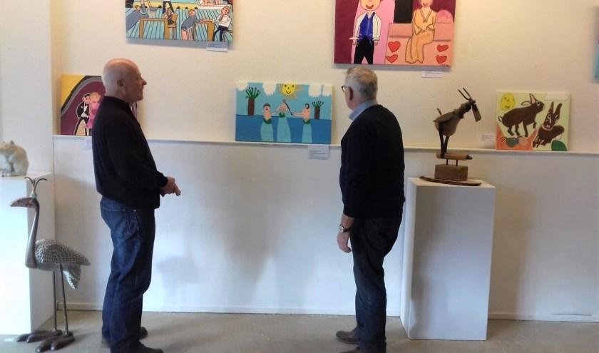 De tijdelijke expositie van werken van Chantal Riegen is aan de Bosstraat in Driebergen. Op vrijdag- en zaterdagmiddagen is de galerie geopend.