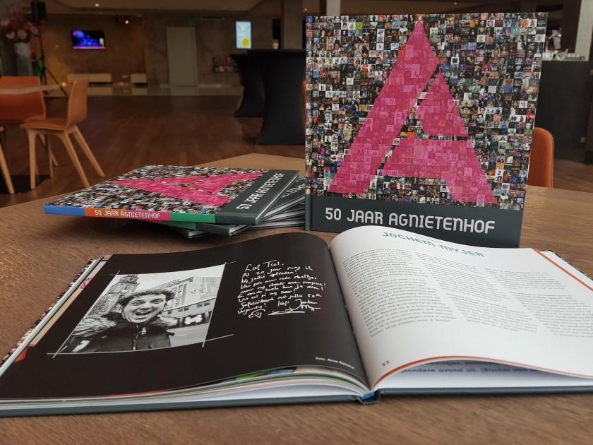 Schouwburg Agnietenhof publiceert jubileumboek voor 50ste verjaardag.