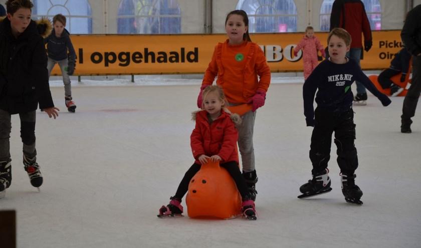 Jong en oud konden weer genieten tijdens deze zevende editie van het Winterfestijn. Er werd dan ook volop geschaatst op de schaatsbaan op het Dorpsplein.