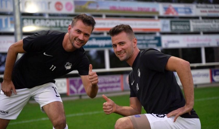 Jaël (links) en Ischa Krosse hoofdrolspelers in het succesverhaal van Sportclub Silvolde stoppen bij het eerste elftal. (foto: Ron Berendsen)