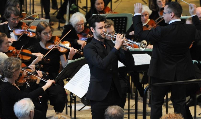 Floris Onstwedder bij het Haags symfonieorkest Musica o.l.v. Jos Schroevers