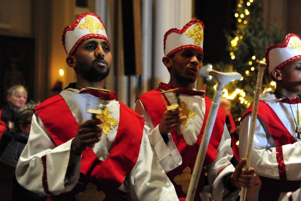Als onderdeel van het cultureel programma trad in de Heuvelse kerk onder meer een Eritrees koor op. foto: Marcelle Mientjens Leone  © DPG Media