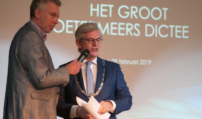 Ook dit jaar gaat burgemeester Aptroot het Groot Zoetermeers Dictee voorlezen. Foto: Kees van de Graaf