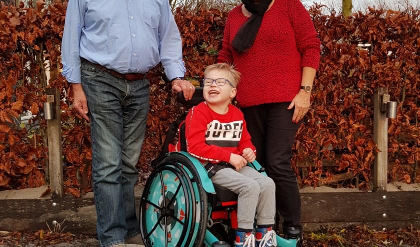 Tim met opa Harrij en oma Marijke Groothuijse uit Nijmegen