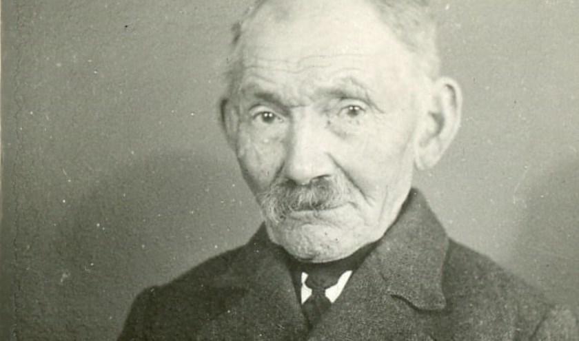 Lantaarnaansteker Peerke Bierings (1862-1943) (coll. Weerderheem).