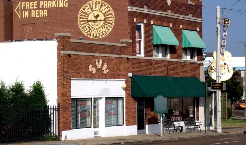 Sun Records in Memphis, Tennessee waar onder andere Johhny Cash, Jerry Lee Lewis en Elvis Presley hun platen opnamen. De studio geldt als de bakermat van rock-'n'-roll.