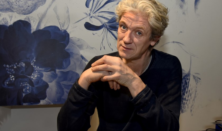 Voormalig stadsdichter van Gouda, Ruud Broekhuizen, gaat met een eigen theaterprogramma 'Een Lege Plek' het theater in. Foto: Marianka Peters