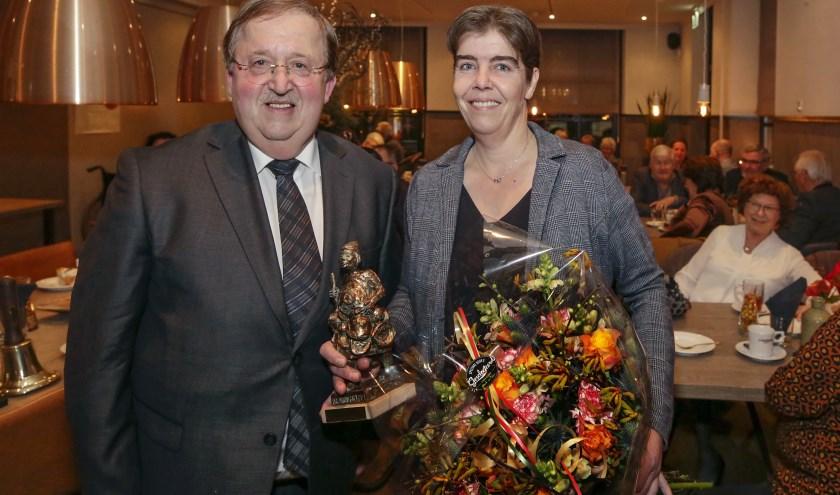 Monique Loomans ontvangt de Koperteutenprijs 2020. Foto: Jurgen van Hoof