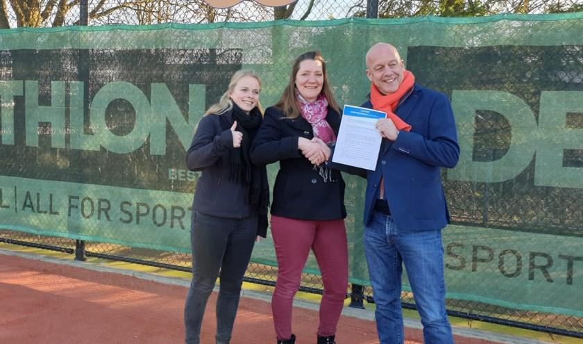 V.l.n.r.: Patty van Beek, Isabella Lieberwirth (beide Decathlon), Hendry Dhondt (LTVB).