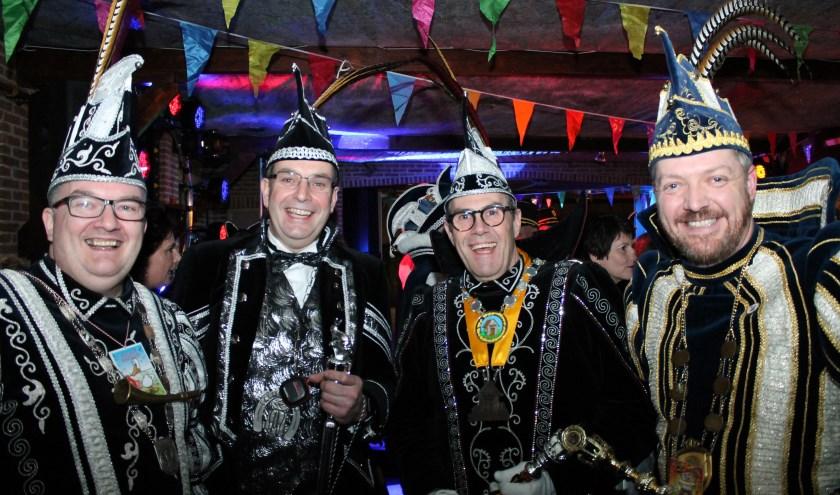 Een kwartetje prinsen Carnaval hebben elkaar weer gevonden v.l.n.r. prins Kees Hanzehat, prins Richard Paerehat, prins Geert Pikpot en prins Marcel Kraaienist. FOTO: Leon Janssens