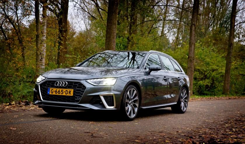 Ondanks de uitgebreide facelift is het zichzelf 'premium' noemende Audi met de A4 nog niet helemaal bij de tijd. FOTO BART HOOGVELD