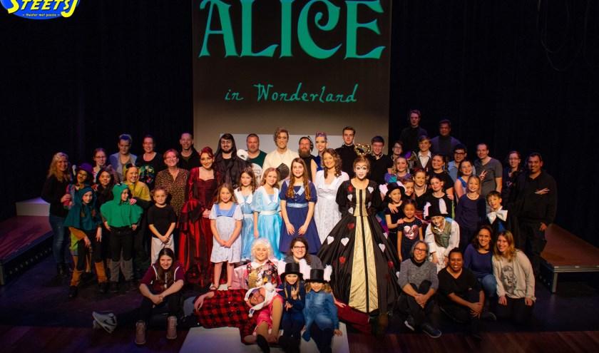 De crew en cast van Alice in Wonderland