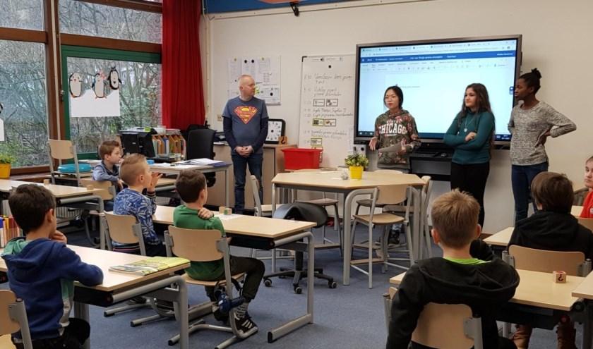 De les door groep 8 leerlingen.