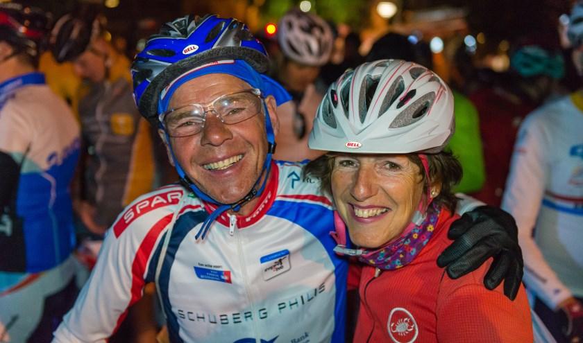 johan en Annelies bij de start van Alpe d'HuZes