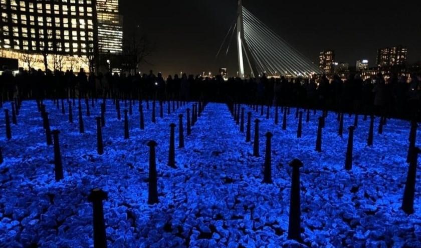 In Rotterdam werd onlangs het tijdelijke Holocaust-monument LEVENSLICHT van Daan Roosegaarde gepresenteerd.