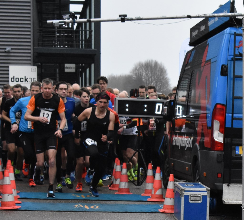 Start vijf kilometer Foto: Van Gaalen Media © DPG Media