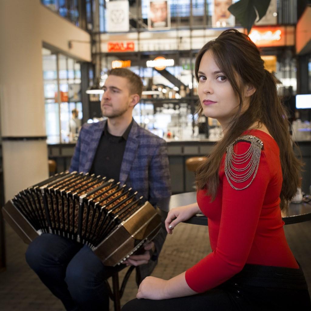 De maand van de Wereldmuziek sluit af met muziek uit Argentinië op zondag 26 januari met tango, folklore en gypsy jazz.   © DPG Media