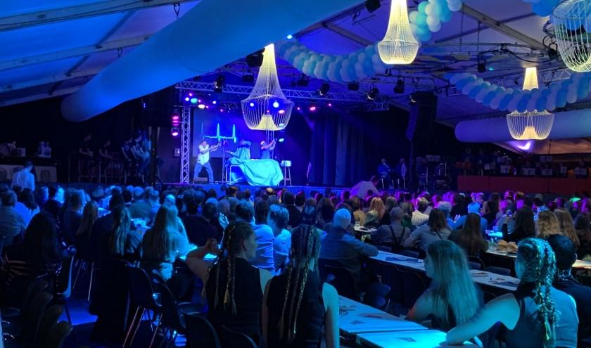 Kaarten voor de Artiestenavonden zijn nog te bestellen op www.kraaienvangers.nl