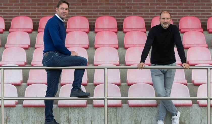 <p>Voorzitter Henk Timmer (links) en bestuurslid voetbalzaken Ari&euml;n van Nijhuis van Hierden begrijpen de rigoureuze maatregelen.&nbsp;</p>
