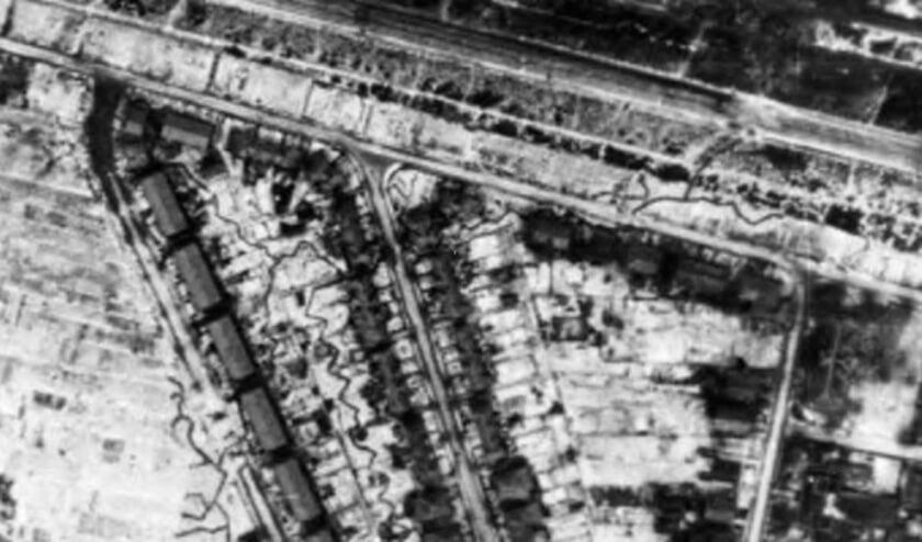 <p>Bron luchtfoto: Detail uit foto Gelders Archief, fotograaf onbekend, 19 januari 1945, nummer 1560 &ndash; 991, Public Domain Mark 1.0 licentie.]</p>