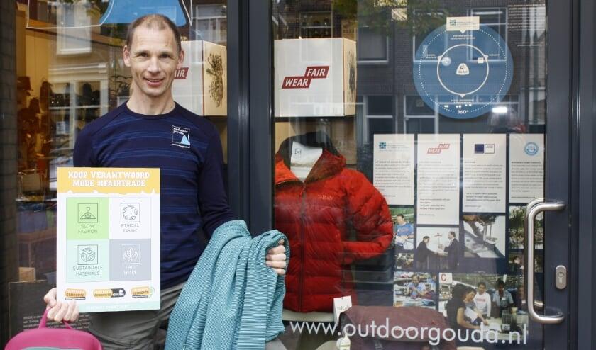 <p>Stefan Hakker van Outdoor Gouda aan &nbsp;de Nieuwehaven doet ook mee aan de actie. Foto: PR</p>