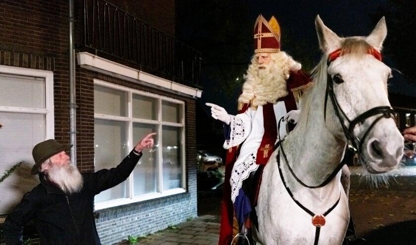 <p>Tijdens zijn nachtelijke ommetje door Woerden maakt Sint hele bijzondere dingen mee! Foto: Robert Roozenbeek</p>