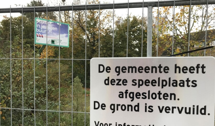 """Het parkje en speelplein aan het Nassauplein in de wijk Wippolder is al anderhalf jaar gesloten. """"Een enorm gemis voor de kinderen en de bewoners. Het park is een belangrijke ontmoetingsplek voor de buurt."""""""