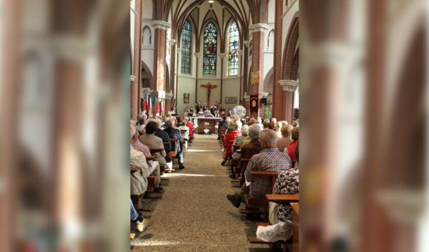 <p>Dorpsvereniging Oerle is het niet eens met de gang van zaken rond de Oerse kerk St. Jan de Doper. </p>