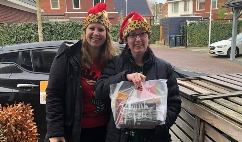 <p>Lorraine en Suzanne, de draaiende krachten achter O&#39;mama&#39;s, hebben elk cadeau persoonlijk gebracht.</p>