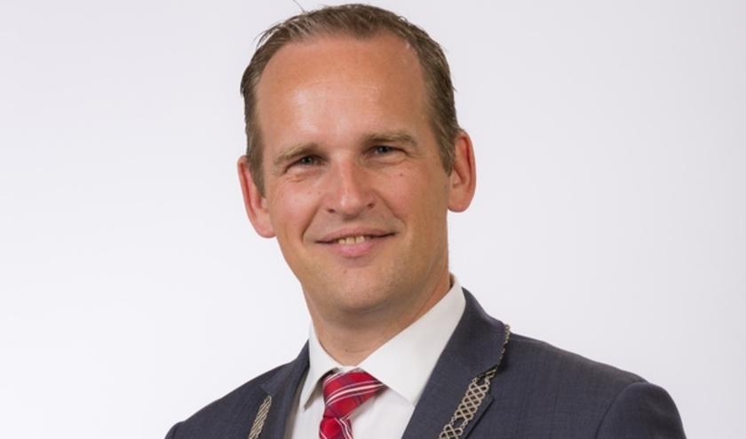 Bram van Hemmen wordt burgemeester van de Hoeksche Waard. (foto: pr gemeente Sliedrecht)