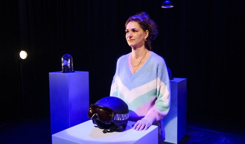 Saskia Temmink neemt het publiek mee in de verschillende facetten van het leven met verlies. Foto: Annemieke van der Togt