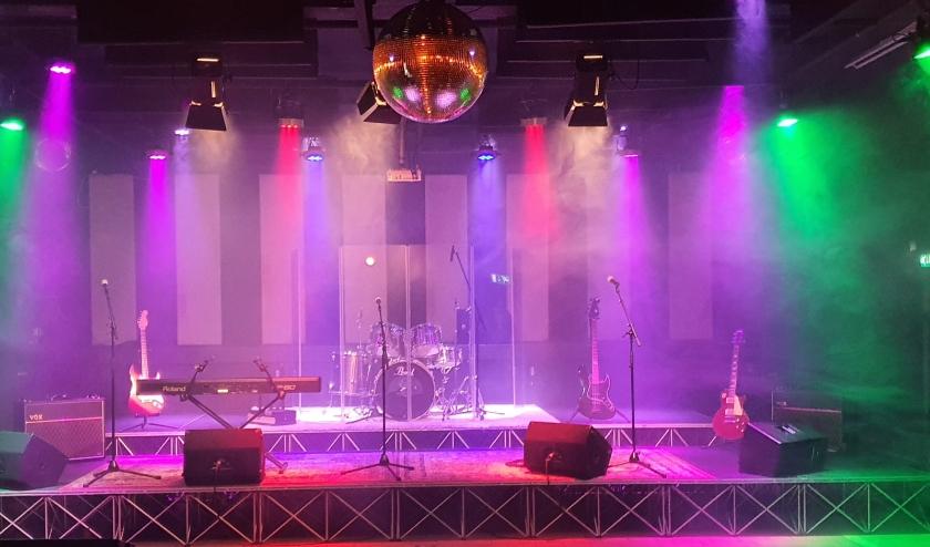 De organisatie voorziet de SuperJam-avond van een uitstekende backline en PA, drumstel, basversterker, gitaarversterker(s) en een stagepiano. Eigen foto