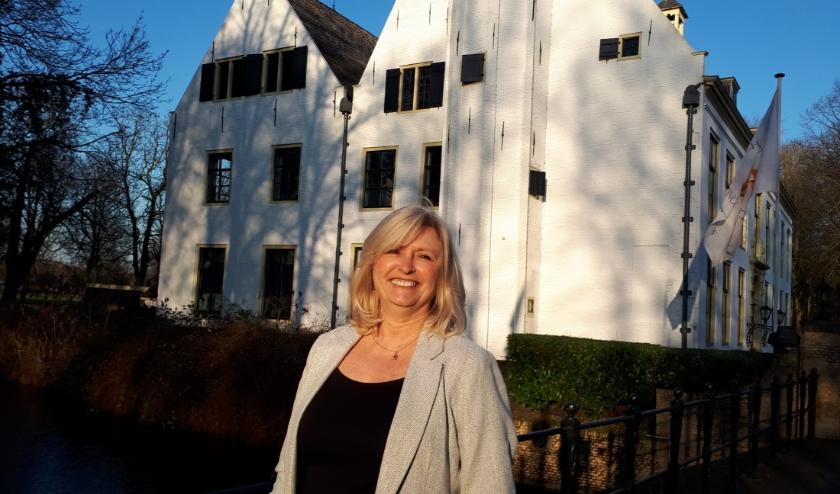 Ingrid Hoogstraten heeft bij Rotterdam Festivals een plan ingediend om in Charlois een groot 'Open Up' songfestival te organiseren.