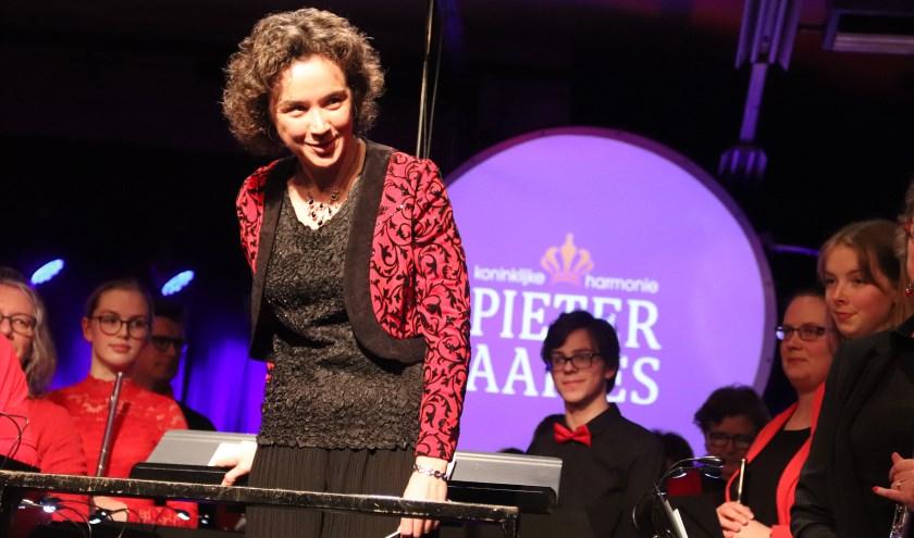 Marylou Krouwel debuteerde afgelopen weekend als dirigente bij PA en organiseert het komende weekend de dwarsfluitendag.