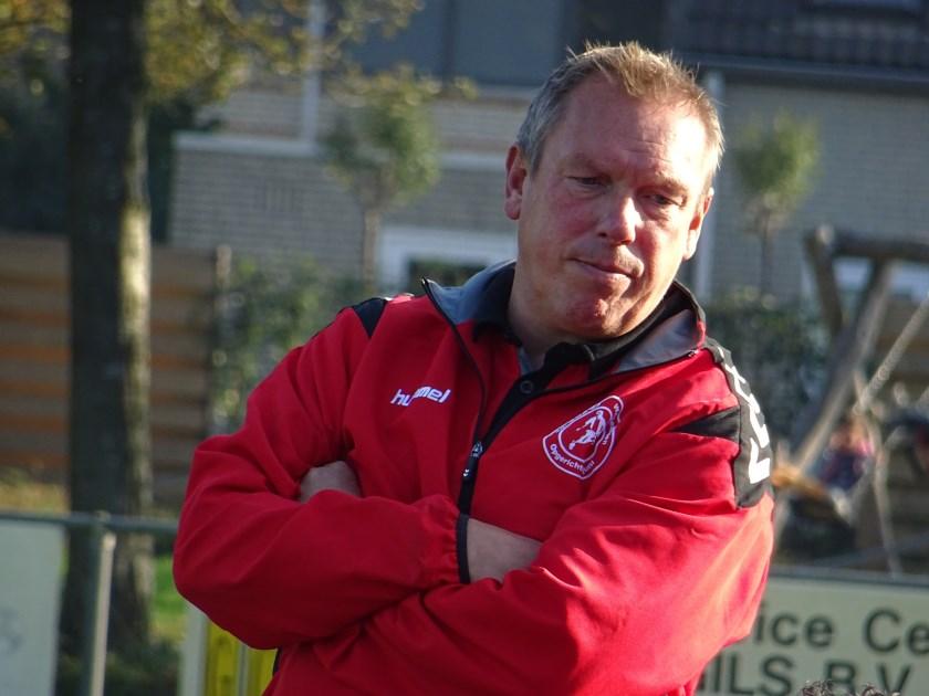 ONA '53-trainer Marcel Nijhuis is per direct opgestapt. De spelers hadden te kennen gegeven geen vertrouwen meer te hebben in de aanpak van de Wageninger. Daarop trok de gekwetste trainer zijn conclusies.