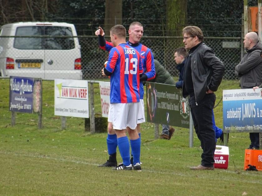 Chris van de Peppel (op archieffoto, als trainer van CHRC) maakt het seizoen als interim-trainer af bij ONA '53, waar Marcel Nijhuis vorige week opstapte.