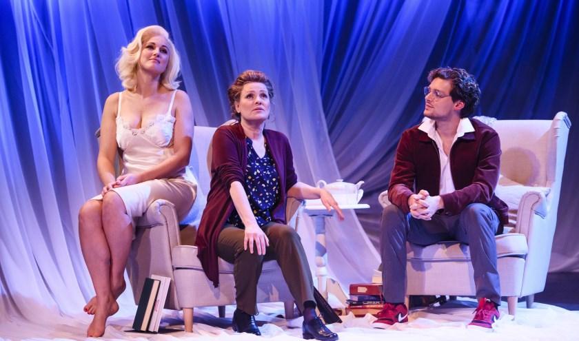 Van links naar rechts: Brigitte Heitzer, Ellen Pieters en Soy Kroon.