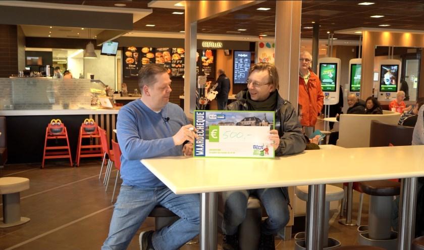 Wouter Alink doneert €500 aan Erik Hout van Stg, Tiel Tip Top