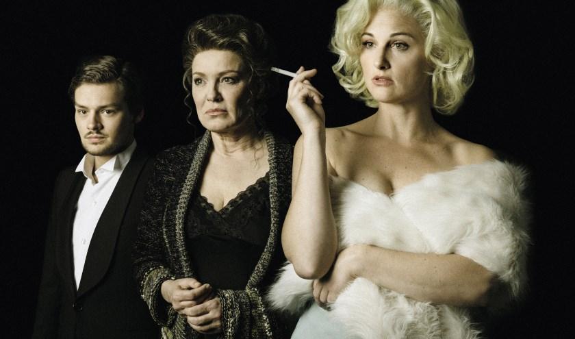 Soy Kroon, Ellen Pieters en Brigitte Heitzer spelen verschillende rollen in de musical.
