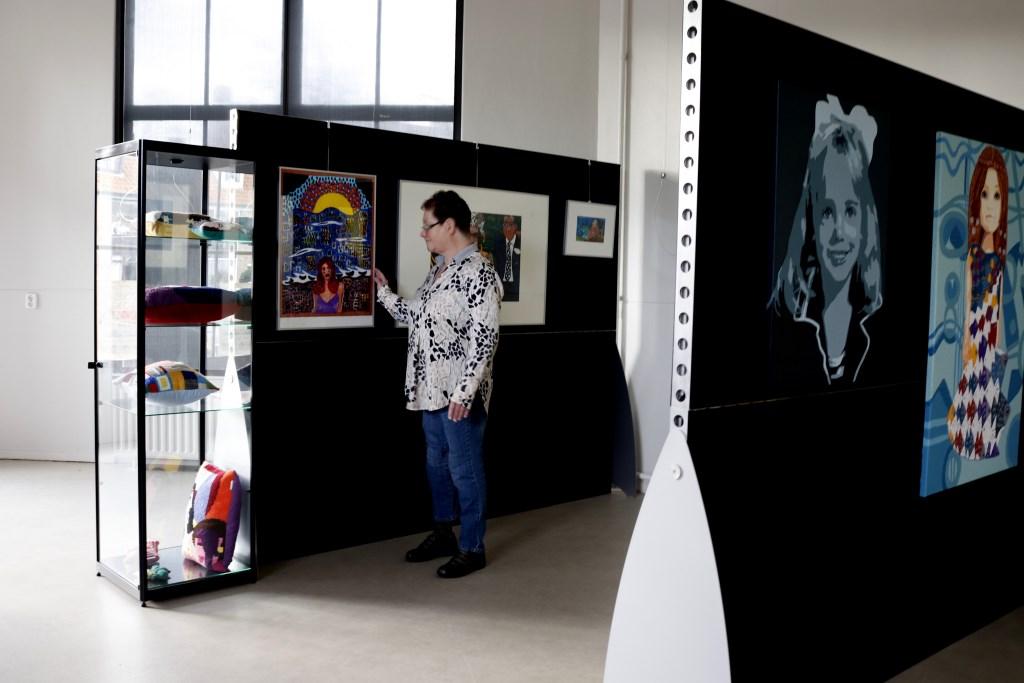 De tentoonstelling TROTS in de Kunstuitleen van ArtenZo Foto: Gerda Prins  © DPG Media