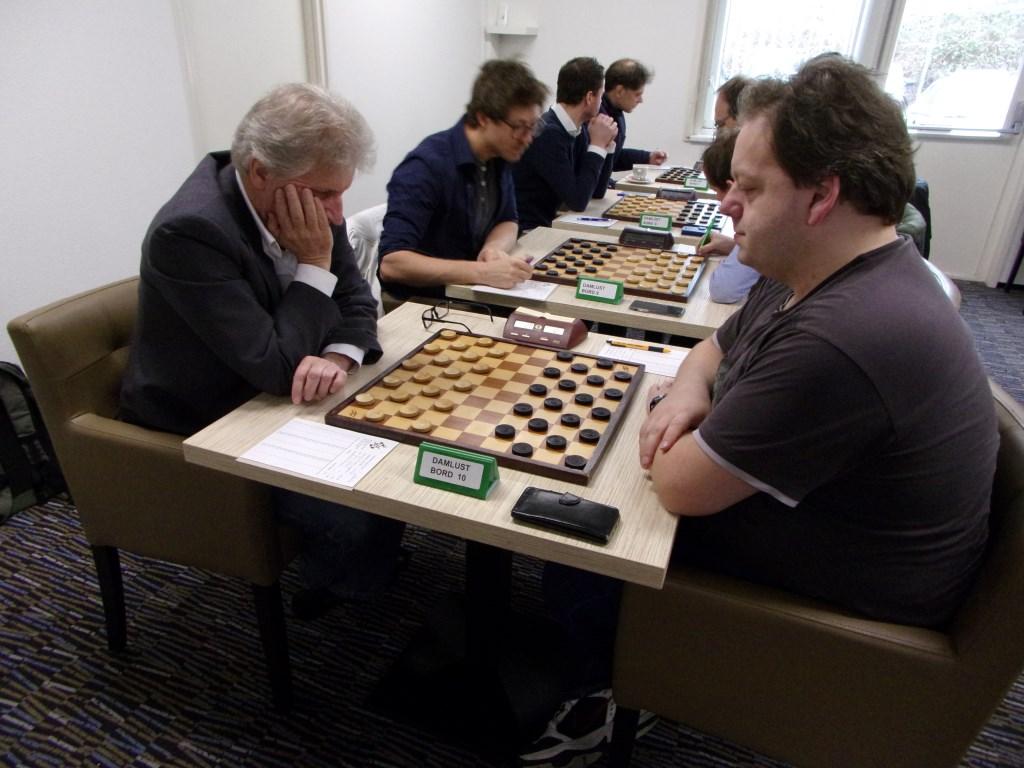 Aan de linker kant de Culemborgse spelers John van den Borst, Pim Meurs, Dik de Voogd en Kees Thijssen Foto: Tjeerd Harmsma © DPG Media
