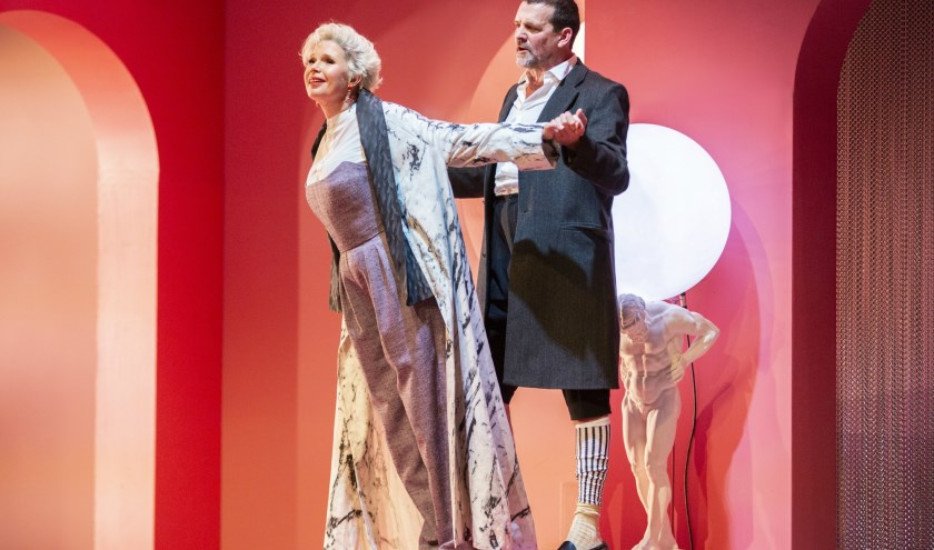 Tjitske Reidinga en Mark Rietman in Dangerous Liaisons
