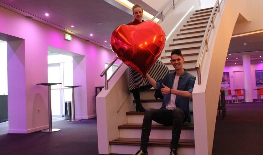 'Matchmakers' Linda Heemstra en Mark van der Linden van Theater de Schalm dagen singles uit om mee te doen aan een romantisch experiment. FOTO: De Schalm.