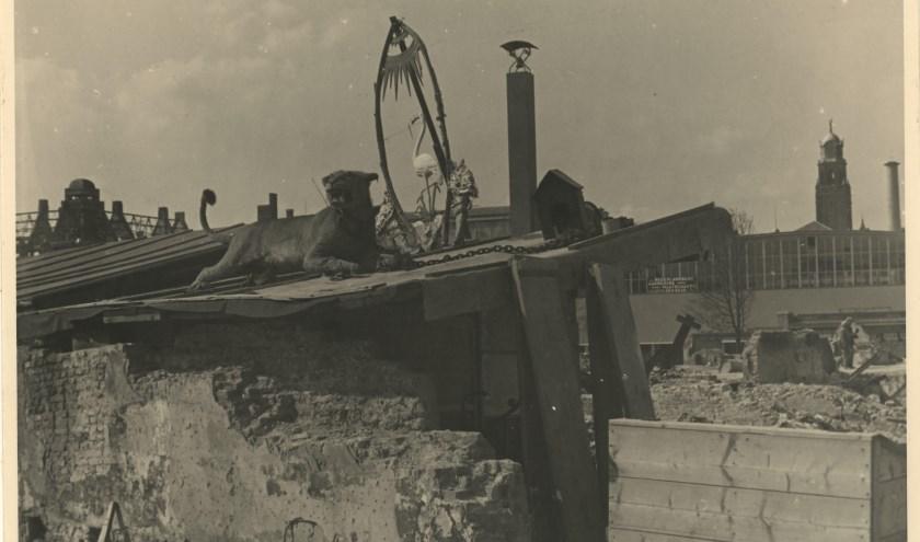 Puinruimerskeet nabij de Coolsingel, mei/juni 1940, Collectie Stadsarchief Rotterdam, Fotograaf J.A. Kok