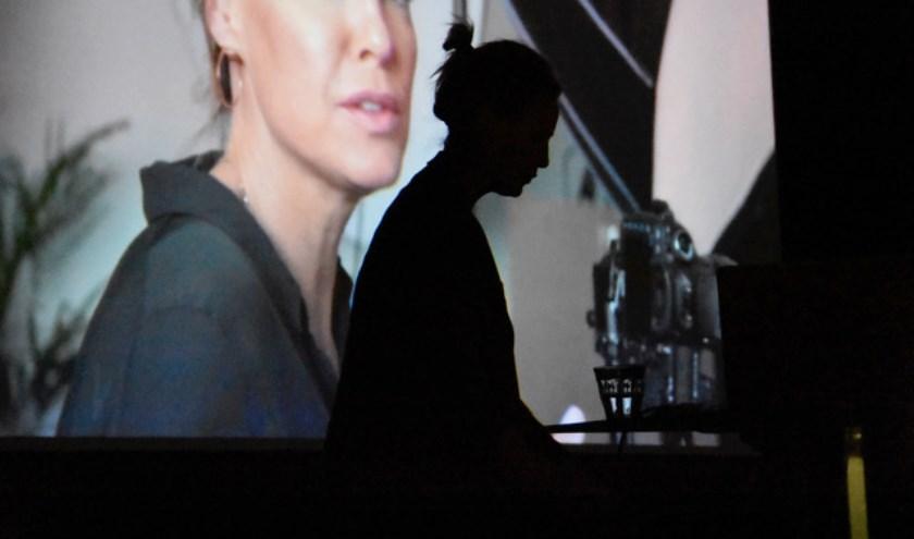 Micky Hoogendijk gaf de lezing 'De muze van het leven'.