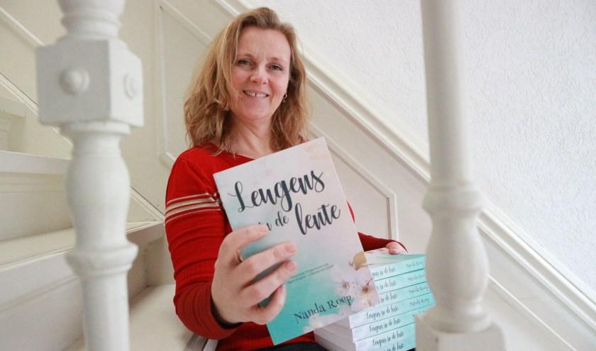 Nanda Roep werd voor 'Leugens in de lente' geïnspireerd door de Australische schrijfster Liane Moriarty. (Foto: Uitgeverij Nanda)
